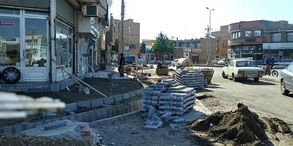 اجرای پروژه سنگ فرش در محدوده و پیاده روهای منتهی به میدان پوریای ولی
