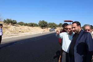 تلاش براي توسعه راههاي ارتباطي استان ايلام در محورهاي اربعين همچنان ادامه دارد.