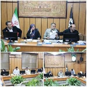 کمیسیون مالی و اقتصادی به ریاست فرج اله فصیحی...