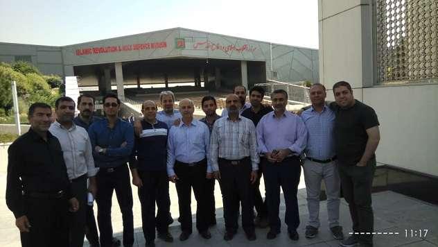 کارکنان نیروگاه قم از باغ موزه انقلاب اسلامی و دفاع مقدس بازدید نمودند
