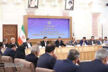 برگزاری نشست شورای هماهنگی مسکن با حضور وزیر راه و شهرسازی