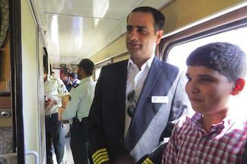 راه اندازی قطار نظم و دوستی در راه آهن شمال شرق (۱)