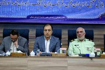 فرمانده انتظامی استان خراسان شمالی از ۵ نفر راننده مسافری استان تقدیر کرد