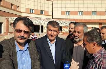 خوشبختانه کردستان کارگاه راهسازی و ساختمانی است/ بیمارستان سقز به زودی بهرهبرداری میشود