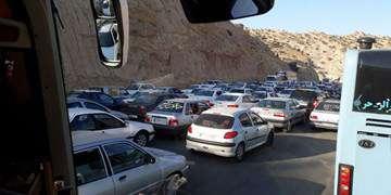 ترافیک سنگین در محور حمیل-ایلام/تردد پرحجم در جادههای منتهی به مرزها