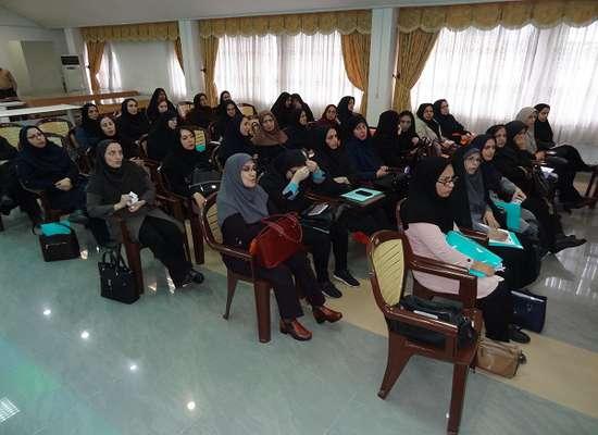 نشست هم اندیشی با محوریت کتاب انسان و محیط زیست برگزار شد