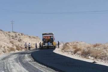 شروع عملیات اجرایی راه روستایی چاه نهر - فدامی لارستان در قالب «طرح ملی ابرار»