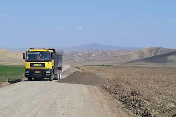 """احداث و تکمیل بیش از ۴۰۰ کیلومتر از راههای فرعی و روستایی آذربایجان شرقی درقالب """"طرح ابرار"""""""