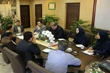 رسانهها در جبران عقب ماندگی شاخصهای توسعه استان مشارکت کنند