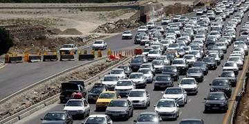 ترافیک نیمهسنگین در محور مهران-ایلام/محدودیت ترافیکی در برخی جادهها تا یکشنبه