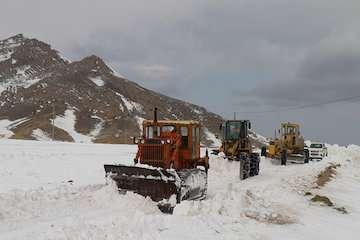 بارش برف و باران در مناطق مرتفع غرب، شمالغرب و ارتفاعات البرز/ کوهنوردان احتیاط کنند
