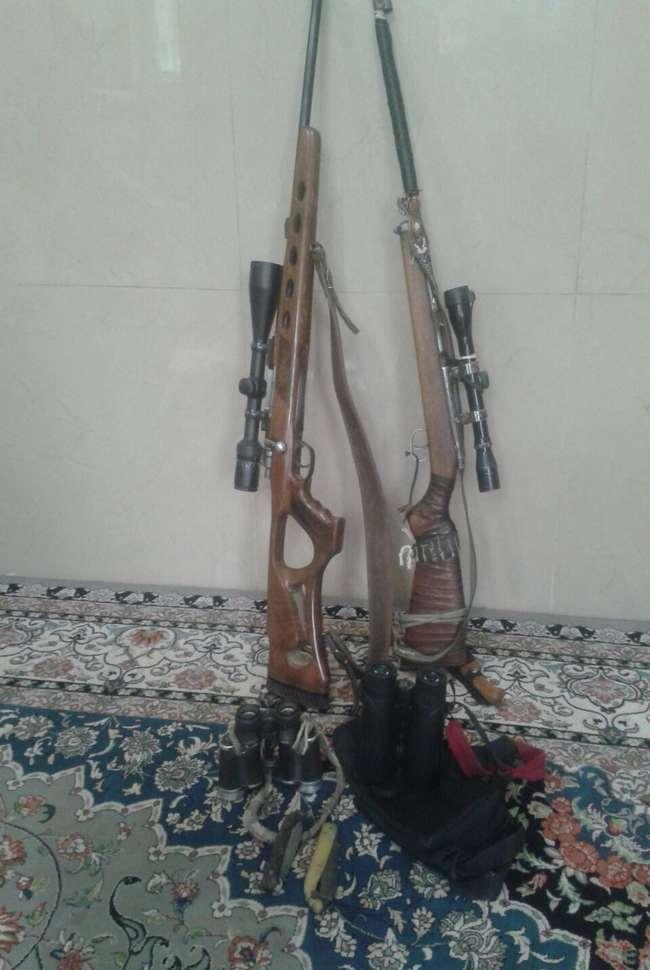 چهار متخلف شكار و صيد در منطقه حفاظت شده كركس نطنز شناسايي و دستگير شدند