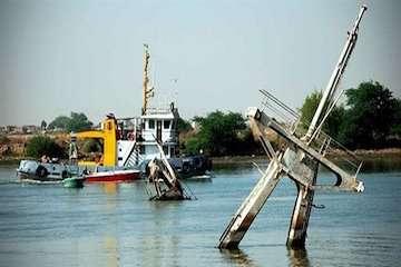 برگزاری مناقصه خارجسازی ۸ فروند شناور غرق شده در اروندرود تا پایان سال/ خارج سازی شناورهای مغروقه تاثیر بسزایی در ایمنی مسیر شناورها دارد