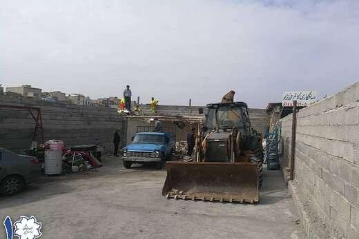 آزاد سازی مسیر خیابان شهید عزیزی با تخریب ساخت و سازهای غیرمجاز