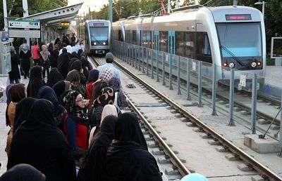رکورد قطار شهری مشهد در جابه جایی به 250 هزار مسافر رسید