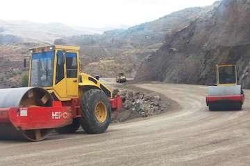 پروژه احداث جاده جایگزین محدوده رانشی گیوی به خلخال آماده آسفالت ریزی است