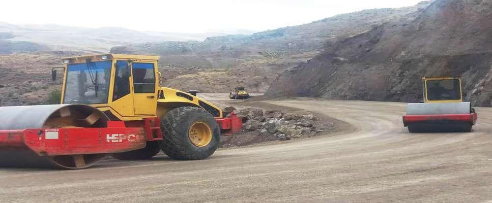 پروژه احداث جاده جایگزین محدوده رانشی گیوی به خلخال آماده آسفالت ريزي است