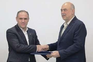 اعطای گواهینامه صلاحیت وارسی پروازی به شرکت فرودگاهها و ناوبری هوایی ایران