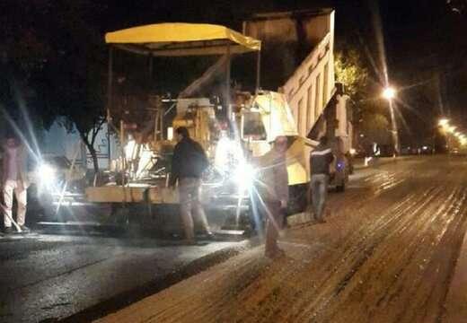 اجرای ۵۰۰ تن آسفالت ریزی در خیابان عباسی