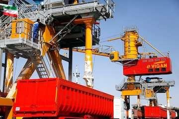 پهلوگیری ۶ کشتی حامل ۳۴۰ هزار تن کالای اساسی در بندر چابهار/ خروج روزانه ۲۵۰۰ تن کالا از بندر چابهار