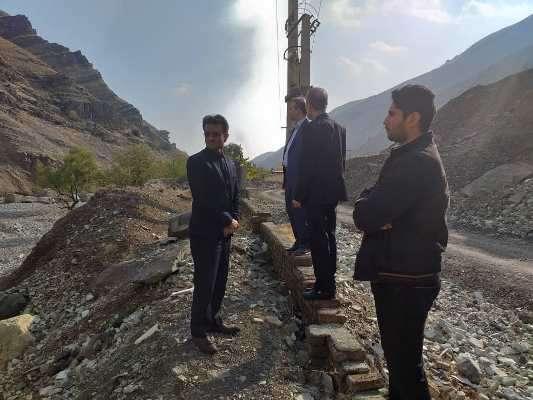 معاون دادستان تهران از بستر رودخانه فرحزاد بازدید کرد