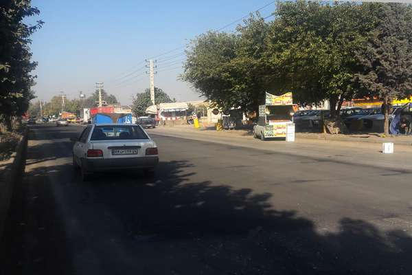 لکه گیری و آسفالت لاین شمالی تقاطع نسیم شمال و بلوار میرزاکوچک خان انجام شد