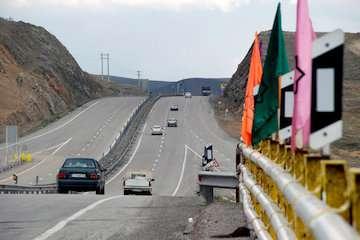 رانندگان و مالکان وانت بارهای سیستان و بلوچستان نسبت به دریافت کارت هوشمند  اقدام کنند