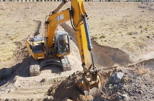 دوسیل بند برای مهار سیلاب تپه های استادیوم یادگار امام(ره) احداث شد