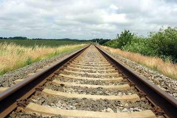 افتتاح راه آهن رخش-میبد ظرفیت جابهجایی را دو میلیون نفر در سال افزایش میدهد/ افزایش ظرفیت جابهجایی بار تا ۳۰ تن