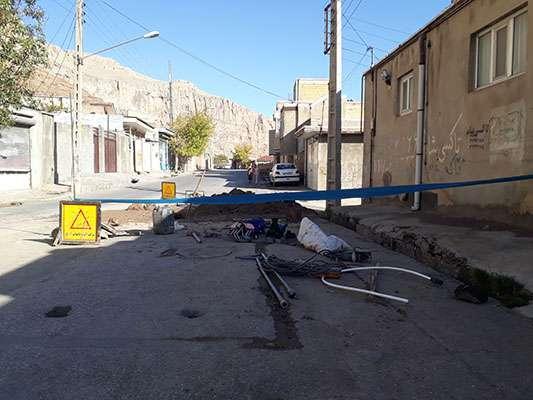 رفع حادثه در لوله مادر خیابان امیر کبیر شهر ماکو