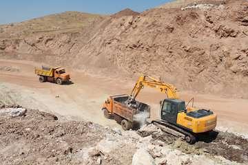 پیشرفت  ۳۰  درصدی پروژه راه سازی چشمه شیرین در محور ایلام- دره شهر