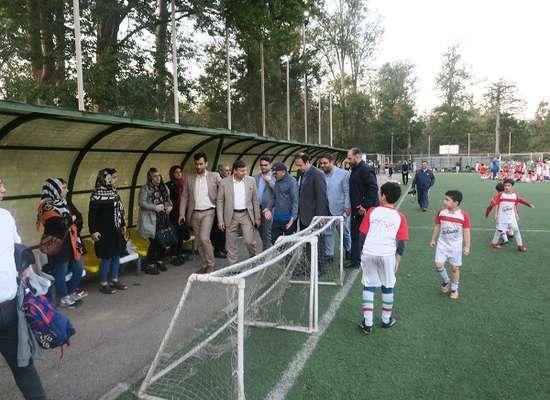 گزارش تصویری ازبازدید شهرداررشت دکترناصرحاج محمدی ازمدرسه فوتبال سازمان فرهنگی اجتماعی و ورزشی شهرداری رشت.