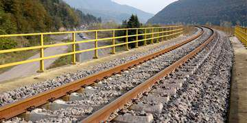 افزایش سرعت ترانزیت کالا به اروپا با تکمیل اولین راهآهن دو خطه کشور