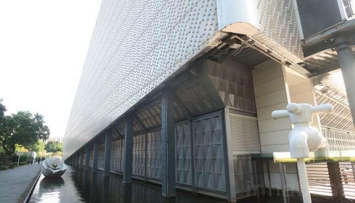 احداث ساختمان ضدزلزله با بطری پلاستیکی