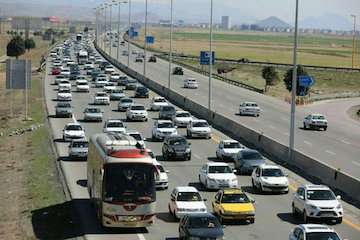 تردد ۲۰۸ میلیون خودرو در جادههای فارس