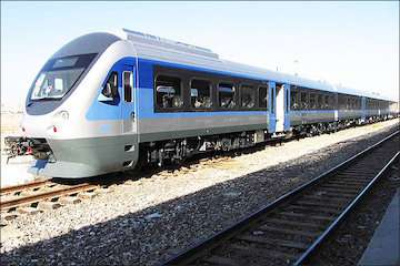 اولین قطار گردشگری کویر فردا راهاندازی میشود