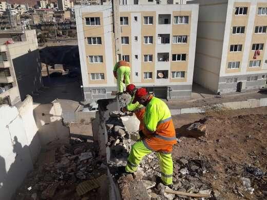 تداوم عملیات تخریب خانههای متروکه و تملک شده سکونتگاه های غیررسمی ارم