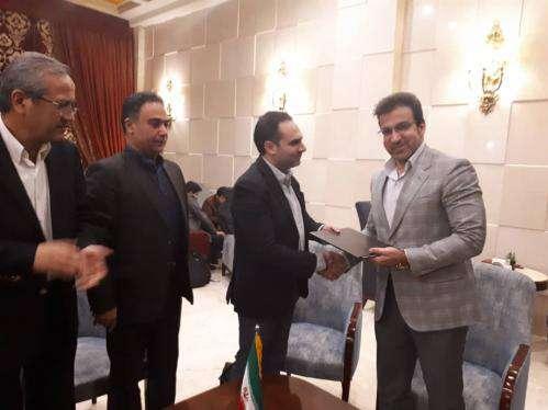 امضاء قرارداد شهرداری مشهد با شرکت تاکسی اینترنتی تپ سی