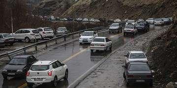 ترافیک سنگین در هراز و باران در برخی جادهها/کندوان یکطرفه میشود