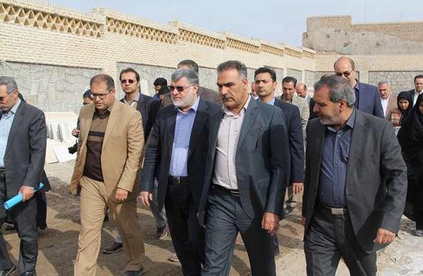تقدیر استاندار در بازدید از پروژه مجتمع فرهنگی و سالن اجلاس شهرداری بیرجند