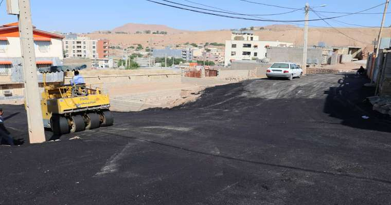 عملیات روکش آسفالت منطقه نفتک (کوی شهید باقری) با مساحت تقریبی ۴هزار متر مربع عملیاتی شد