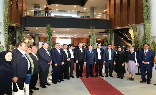 افتتاح نمایشگاه شهر کوچینگ توسط نخست وزیر و مقامات ارشد ایالات ساراواک کشور مالزی
