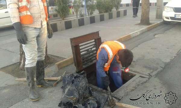 اجرای عملیات لایروبی کانالهای سرپوشیده و حوضچه های آرامش شهر گرگان
