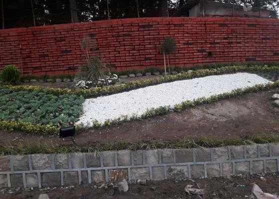 طراحی فضای سبز، رنگ آمیزی دیوار و نصب روشنایی در نبش میدان عاقلیه