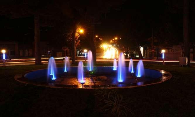 همزمان با ماه مبارك ربیع الاول آبنمای میدان ۱۷ شهریور راه اندازی شد