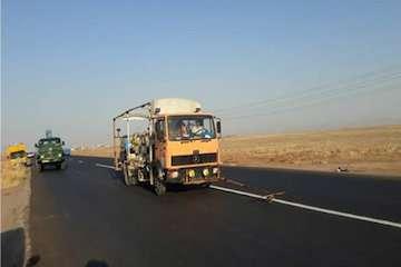 خط کشی ۲۳۰ کیلومتر از محورهای مواصلاتی شهرستان لنجان/ تعریض زیرگذر پل کله