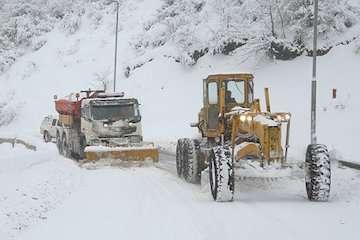 اجرای ۳۶۰ کیلومتر- باند عملیات  برف روبی توسط راهداران گیلانی