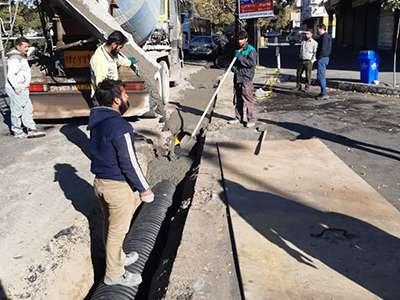 پروژه لوله گذاری دفع آبهای سطحی بلوار خرمشهر در حال اجرا است