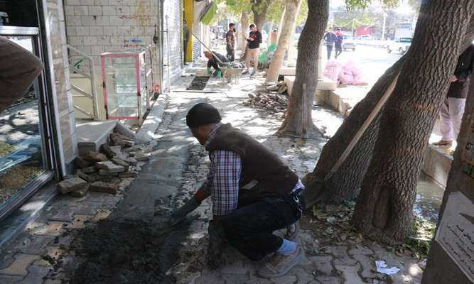 اصلاح و ساماندهی پیاده رو ها توسط شهرداری