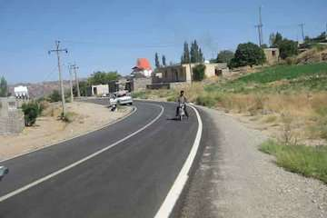 درجنوب کرمان ۴۳۰ کیلومتر راه روستایی در دست ساخت است